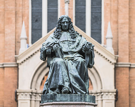Monumento-a-Marcello-Malpighi_DSC3519-447x355